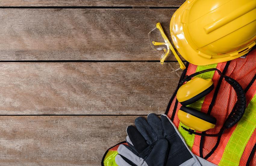 Co ile przeprowadza się szkolenie okresowe na stanowiskach robotniczych
